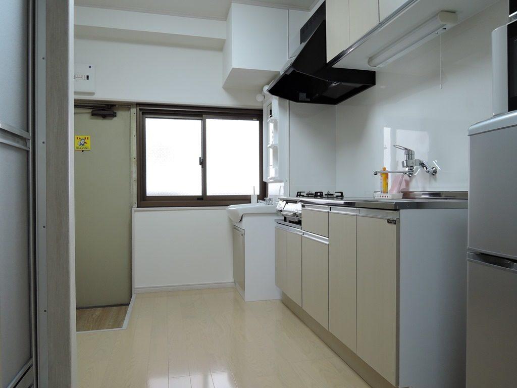 冷蔵庫・電子レンジ・鍋