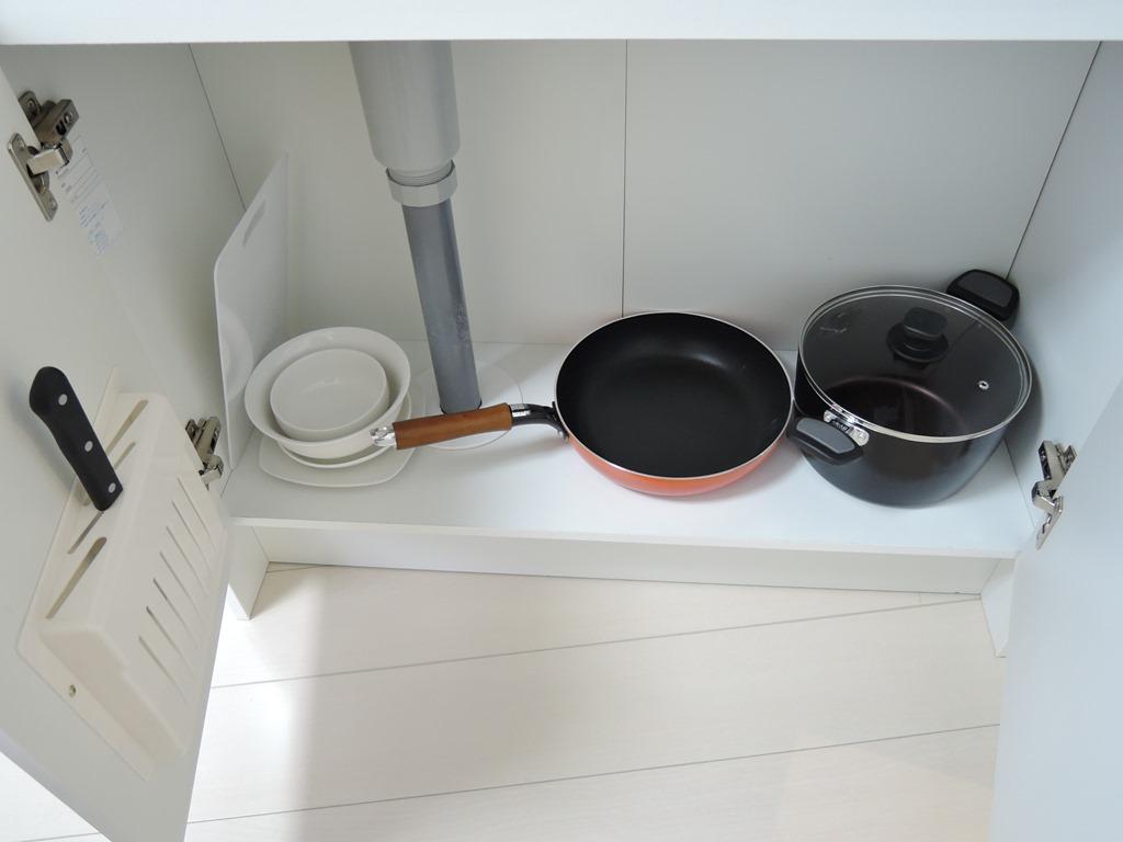 鍋・フライパン・食器・包丁・まな板