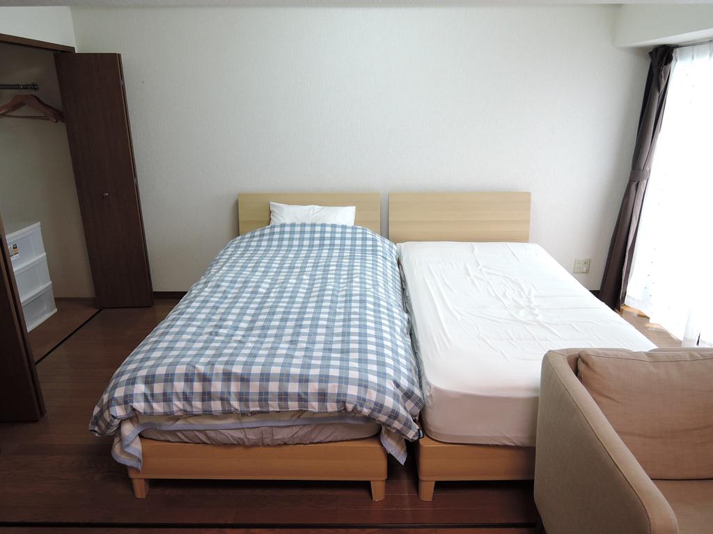 セミダブルベッド2つ